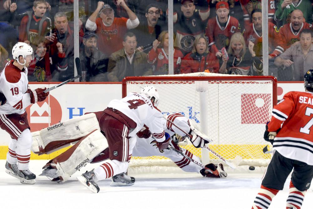 NHL: FEB 09 Coyotes at Blackhawks