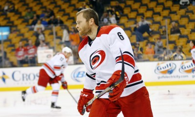 NHL: NOV 15 Hurricanes at Bruins