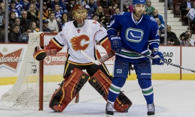 NHL: DEC 20 Flames at Canucks