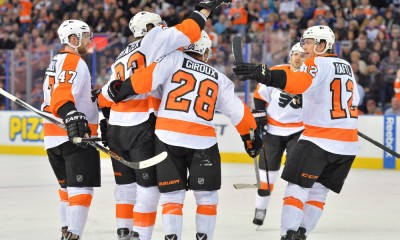 NHL: MAR 21 Flyers at Oilers