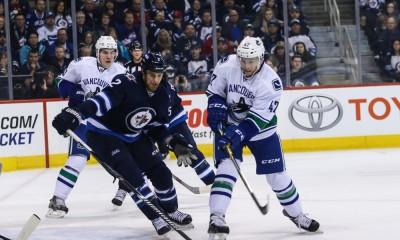 NHL: APR 04 Canucks at Jets