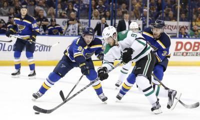 NHL: DEC 27 Stars at Blues