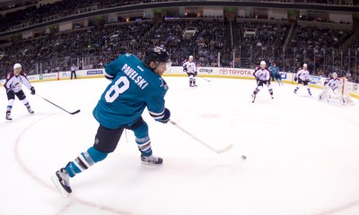 NHL: APR 01 Avalanche at Sharks