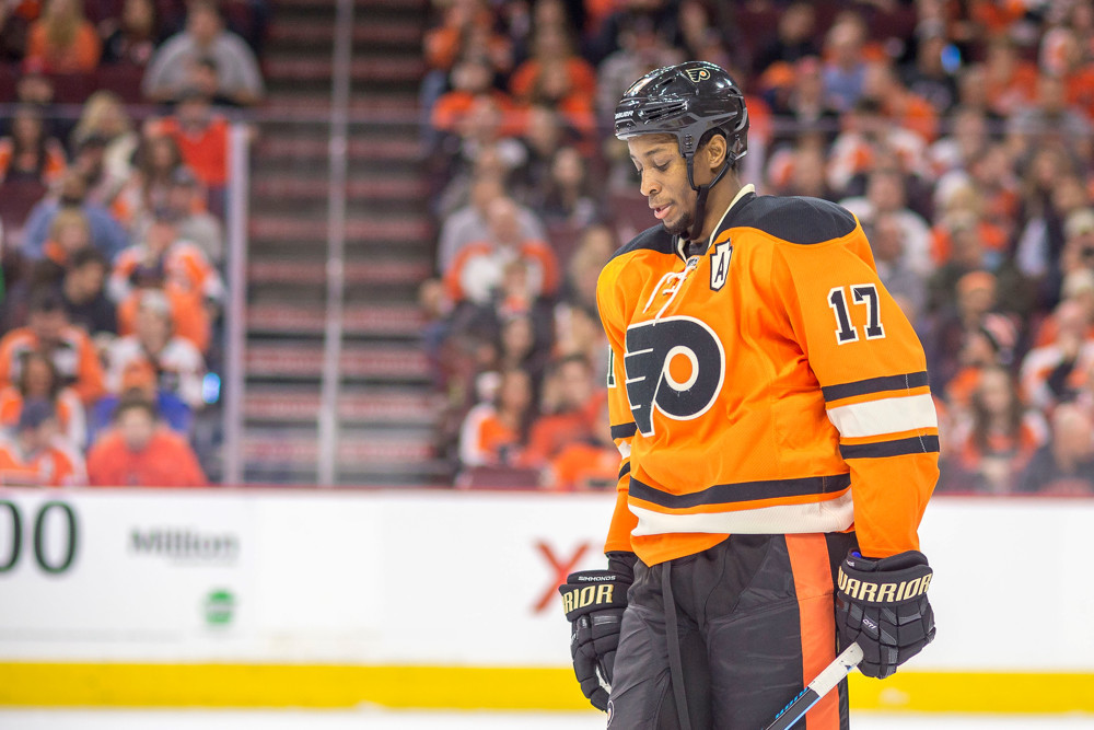 27 November 2015: Philadelphia Flyers right wing Wayne Simmonds (17) waits for play to resume during the NHL game between the Nashville Predators and the Philadelphia Flyers played at the Wells Fargo Center in Philadelphia, PA. (Photo by Gavin Baker/Icon Sportswire)
