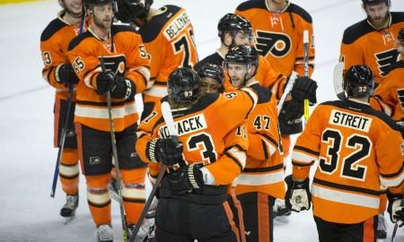 DFU16040923_Penguins_at_Flyers