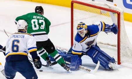 07 MAY 2016: Ales Hemsky (83) of the Dallas Stars battles through the defense to attempt a shot on Brian Elliott (1) of the St. Louis Blues during game 5 of the second round of the Stanley Cup Playoffs between the St. Louis Blues and Dallas Stars at American Airlines Center in Dallas, TX. (Photo by Andrew Dieb/Icon Sportswire)