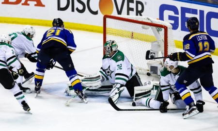 St. Louis Blues center Patrik Berglund (21) shoots the puck past Dallas Stars goalie Kari Lehtonen (32) for a goal during the third period of a NHL Western Conference Round 2 - Game 6 Stanley Cup Playoff matchup between the Dallas Stars and the St. Louis Blues. The Stars defeated the Blues 3-2 at Scottrade Center in St. Louis, MO. (Photo by Tim Spyers/Icon Sportswire)